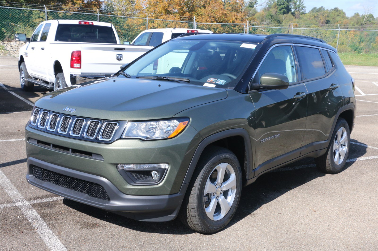 new 2018 jeep compass latitude sport utility in greensburg j21691 hillview motors. Black Bedroom Furniture Sets. Home Design Ideas